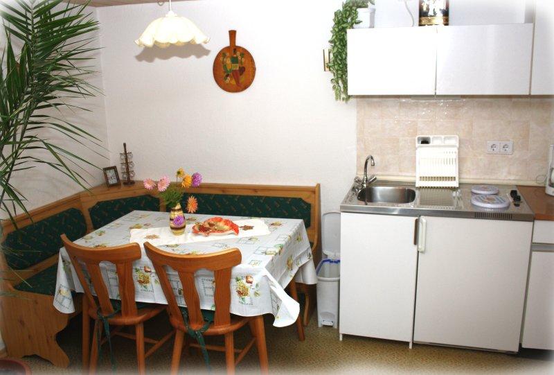 Miniküche mit Essecke